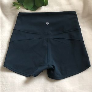 NEW Lululemon Teal Yoga Shorts Size 6